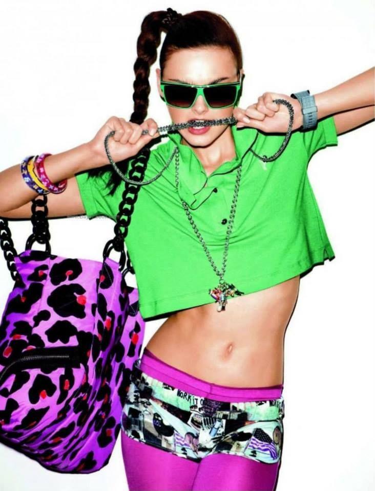 """¡Feliz fin de semana! No olvides: """"La moda no existe sólo en los vestidos. La moda está en el cielo, en la calle, la moda tiene que ver con las ideas, la forma en que vivimos, lo que está sucediendo"""" (Coco Chanel). #LolasAlquilerdeVestidos"""