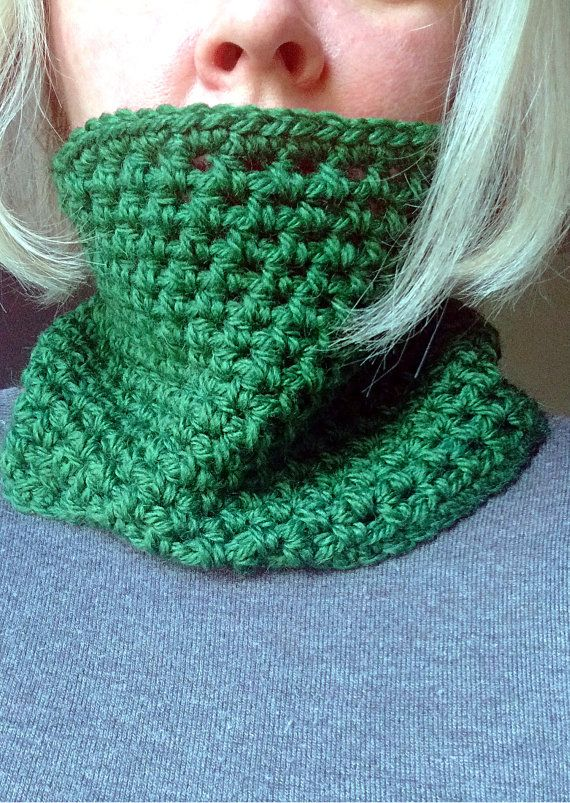 Crochet green cowl neckwarmer in wool warm soft di Hookloopsarah