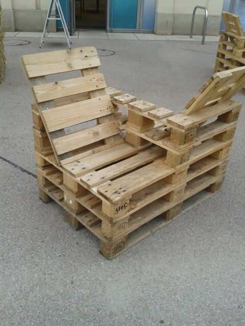 Break Down A Pallet The Easy Way For Wood Projects Wood