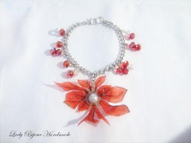 Braccialetto con ciondolo fiore rosso di Lady Bijoux Handmade su DaWanda.com