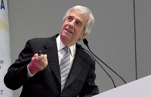 """#Vázquez: """"Las enfermedades no transmisibles implican un gran gasto para AL"""" - republica.com.uy: republica.com.uy Vázquez: """"Las…"""