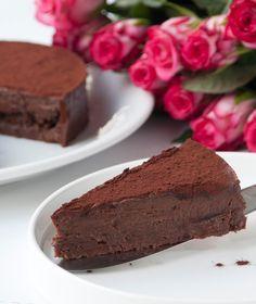 Νηστίσιμη τούρτα με σοκολάτα και ταχίνι