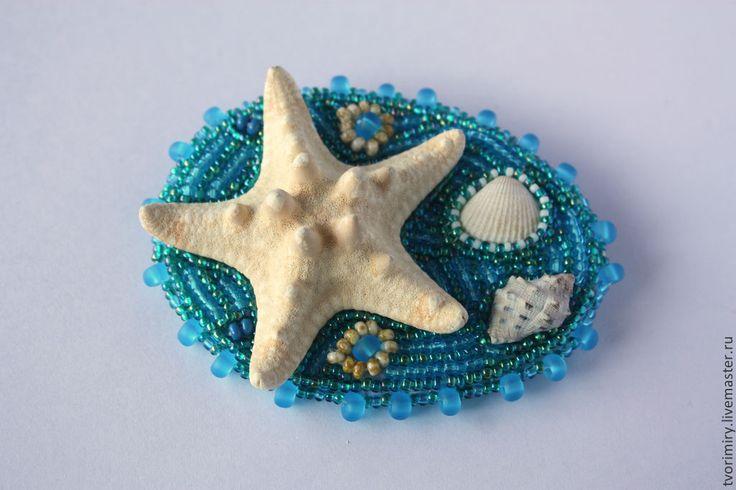 """Купить Брошь """"Морское дно"""" - бирюзовый, голубой, море, Морское дно, ракушки, морская звезда"""