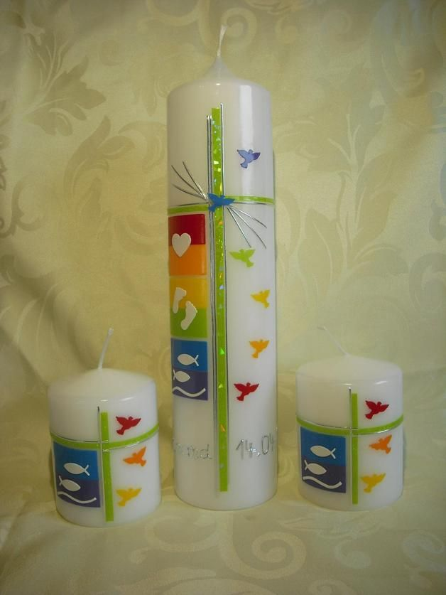 Motivfarbe 1: Regenbogen-Pastell-Farben Motivfarbe 2: Regenbogen-Normal-Farben  Taufkerze: weiß, rund, 250 x 60 mm  Tischkerzen (80 x 60 mm a. 6,90 €) sind nicht im Angebot enthalten, bitte...