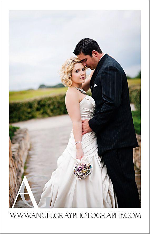 wedding photo ideasWedding Photos Ideas, Brides Grooms, Church Weddings, Lights Church, Wedding Photography Tips, The Dresses, Low Lights, Photos Poses, Photography Ideas