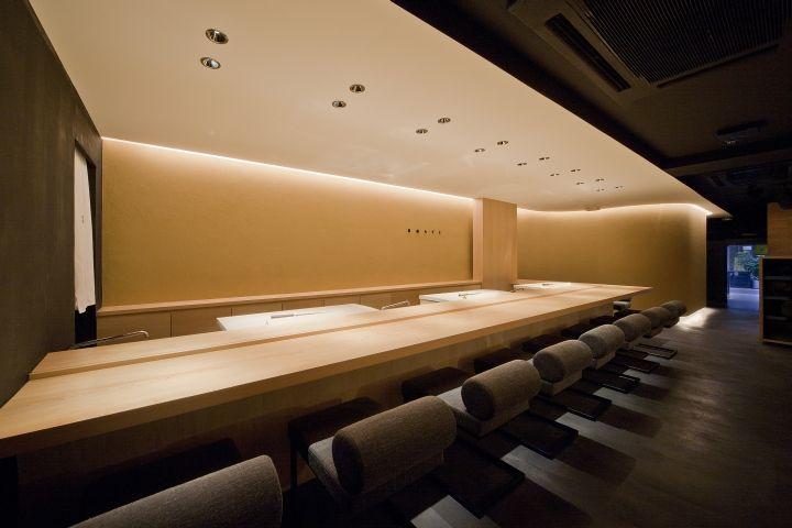 Интерьер японского ресторана Sushi Azuma