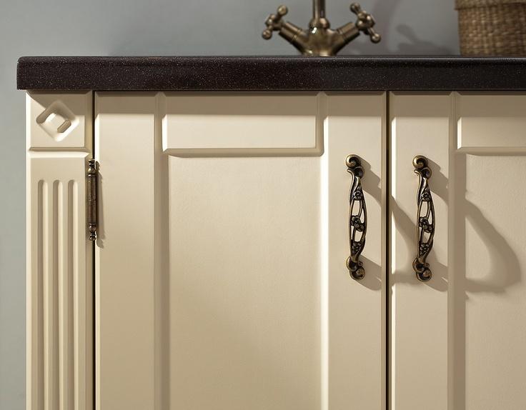 Ritorno collection - classic bathroom furniture in vanilla colour / łazienka #furniture #bathroom #vanilla #classic #washbasin