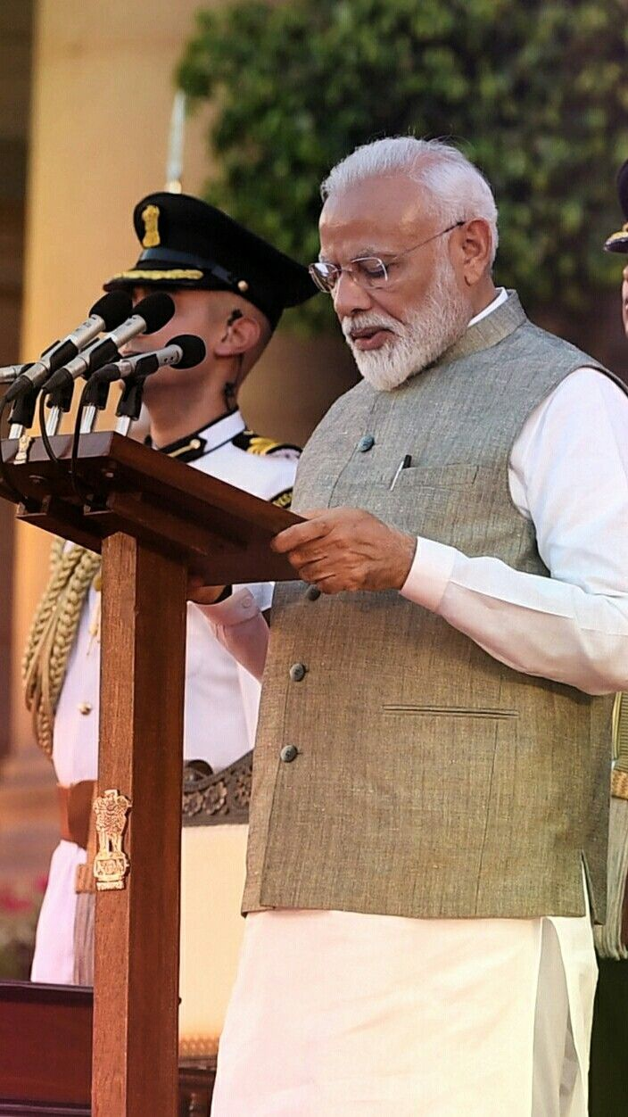 Prime minister swearing in ceremony Hd photos, Modi