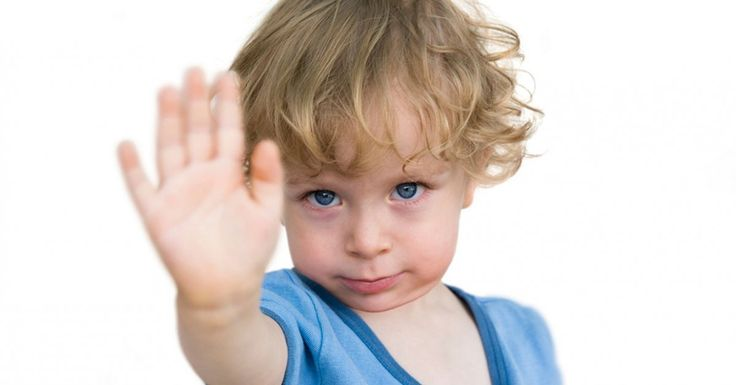 Pequenas, mas com vontades próprias, as crianças necessitam de disciplina para conhecerem os limites e valores importantes como o respeito. No entanto, a disciplina não deve ser reservada exclusivamente para os momentos em que as crianças se portam mal, deve ser algo contínuo para que a criança saiba ela própria distinguir entre o que é certo e o que é errado. Mune-se destas estratégias para ter sempre crianças bem comportadas.