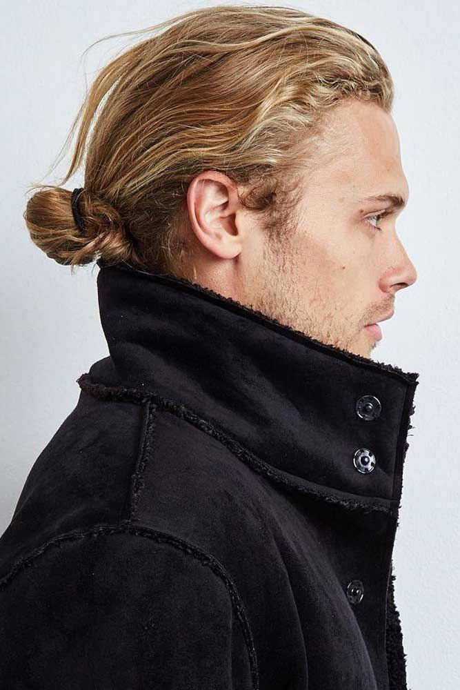 Elegant Low Bun Manbun Lowbun Blondehair Fancy Trying The Famous Man Bun Let Us Show You How To Wear Man Bun Hairstyles Haircuts For Men Bun Hairstyles