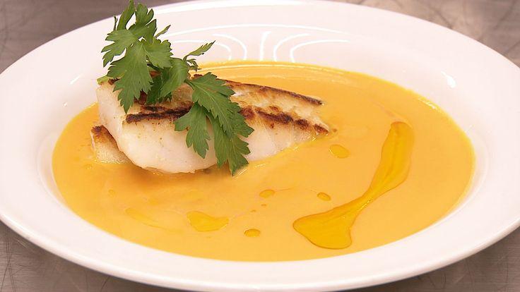 Gresskarsuppe med stekt fisk