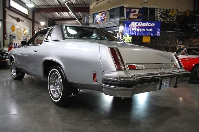 230 best images about 39 73 39 77 cutlass supreme on pinterest for 1975 oldsmobile cutlass salon