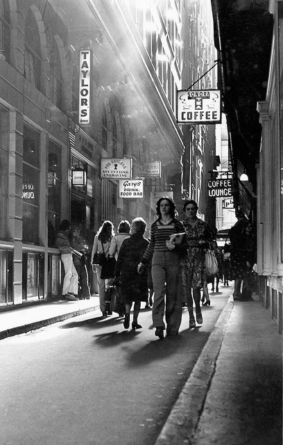 The Causeway 1976 Brilliant photographs of Melbourne's people, streets and locations in the 1970's by Photographer David Wade...