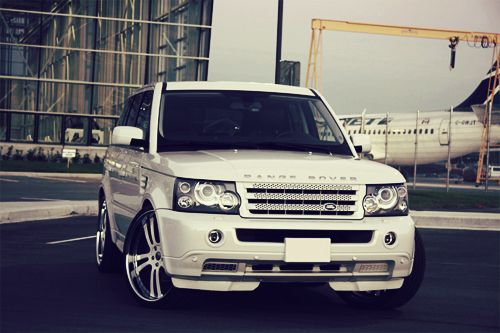 Range Rover. I want this right now