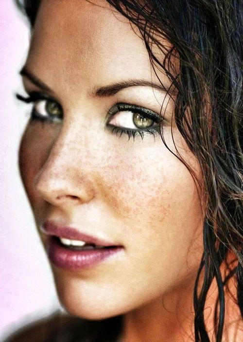 Evangeline Lilly...Sexiest freckles out there!!!