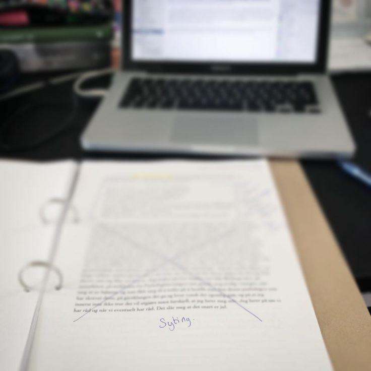 Syting. �� . . . #skrive #skriver #redigere #skriveglede #skrivekløe #skrivekunst #bokelsker #leseglede http://misstagram.com/ipost/1571040691466608310/?code=BXNdS9mjR62