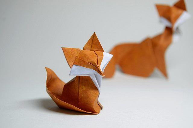 Japaaanではこれまでにも国内外の数多くの折り紙アートを紹介してきましたが、今回紹介する折り紙アートは実に美しい曲線で動物の柔らかさや躍動感を表現した折り紙アート。海外アーティスト ORI_Q@Flickr さんの作品を紹介します。蝶々…