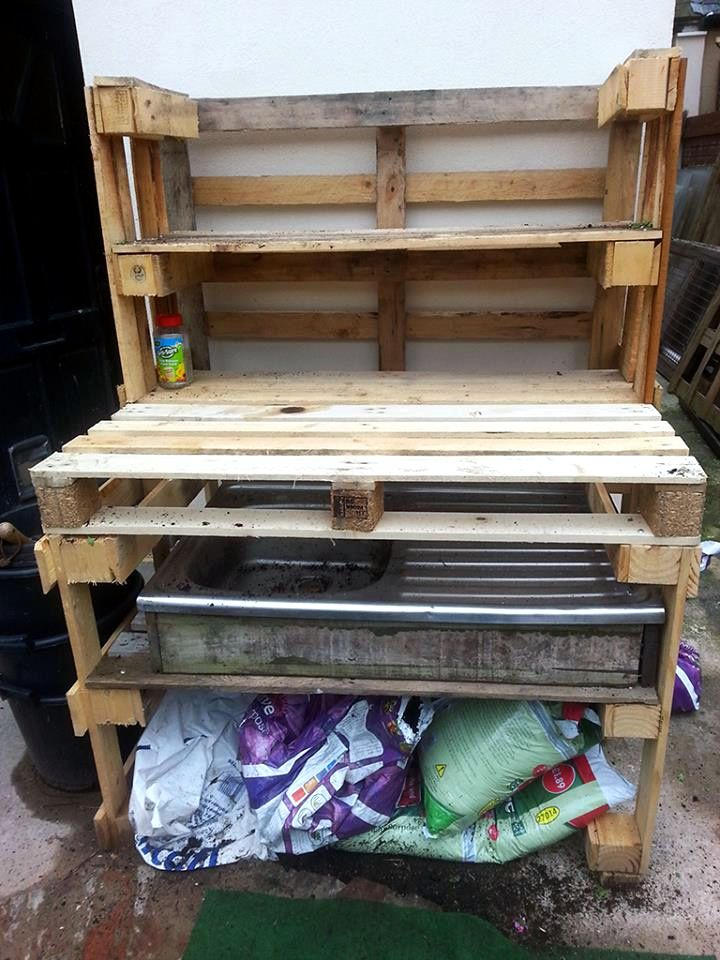 DIY Pallet Potting Bench / Work Bench