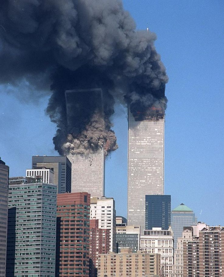 Bilderesultat for twin towers attack
