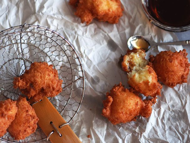 Nicaraguan Buñuelos de Yuca y Queso (Yuca and Cheese Fritters) | Serious Eats : Recipes