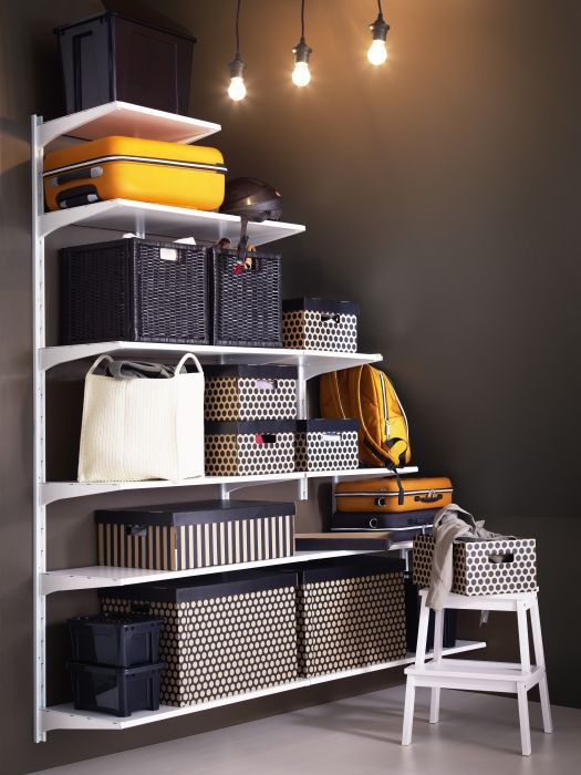 Optimize every inch of space! It's easy to do with a customizable ALGOT shelving solution and a collection of boxes and baskets.