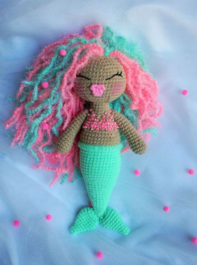 Cute crochet mermaid - free amigurumi pattern