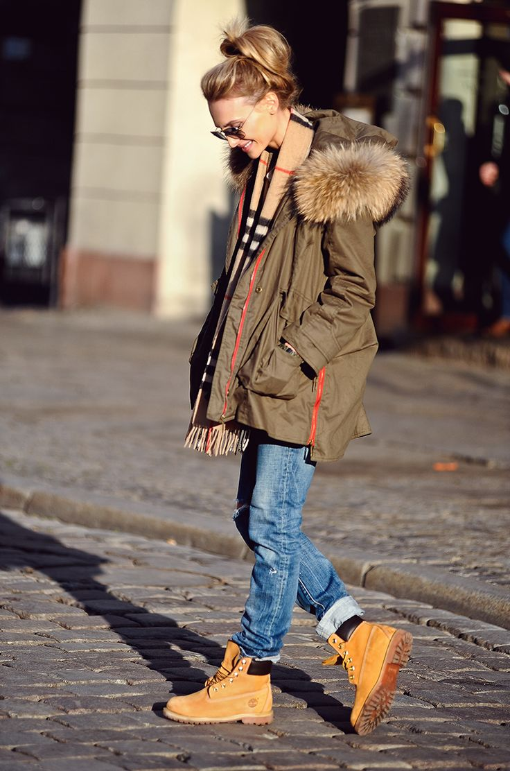 Sweater – ZARA, Jeans- DSQUARED, Boots- TIMBERLAND, Parka- PINKO (old collection), Shawl – BURBERRY, Cap- MONCLER, Watch- NIXON