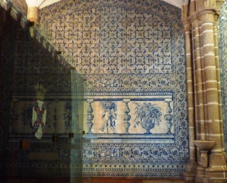 Évora, Igreja de São João Evangelista ou de Lóios. Os azulejos pintados em Lisboa pelo mestre António de Oliveira Bernardes.