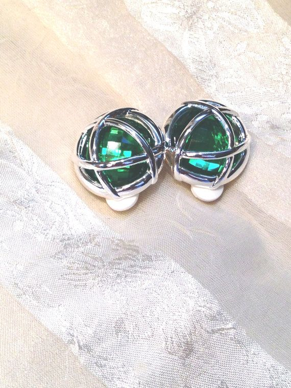 Vintage Green Holiday Earrings Estate Jewelry by NorthCoastCottage, $19.00