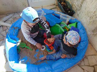 Piscosidades: Piscina com areia no quintal...