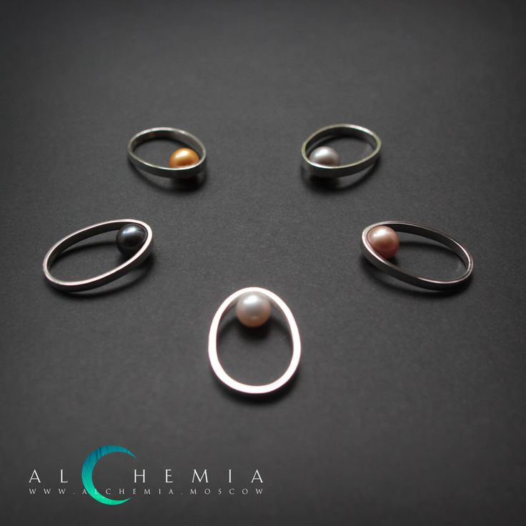 The Drop ring 1. Silver, pearl. Handmade by Alchemia Jewellery.