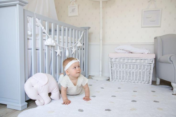 Caramella.pl baby bed will serve your child for many years. After infancy it transform easily into a first bed, and later on into practical couch.