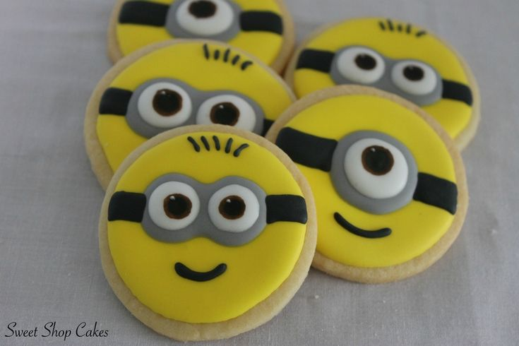 Minion Sugar Cookies on Cake Central