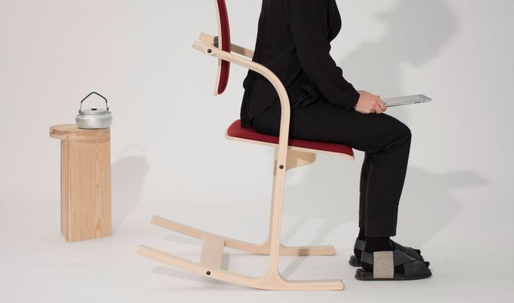 Gentle tilting inspires soft, natural movements, and the open design helps you maintain a dynamic posture at the office, or at home