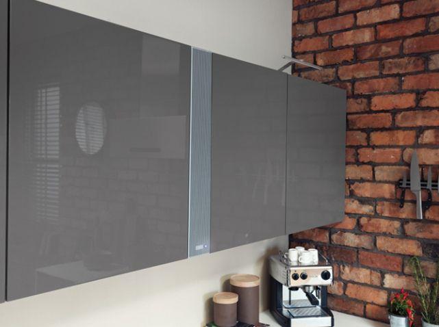 cuisine 12 astuces pour relooker facilement vos placards elle d coration r no cuisine. Black Bedroom Furniture Sets. Home Design Ideas