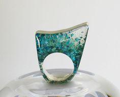 Turquesa piedra y resina moderno anillo de por RadiantOriginals