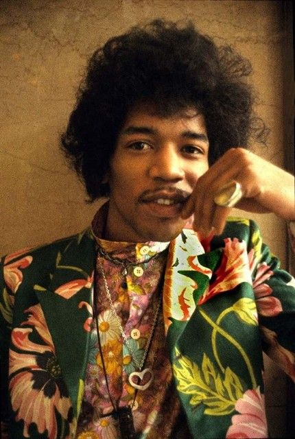 the musician Jimi Hendrix (1942-1970) photographed (1967) by English photographer Barrie Wentzell. source: rocksquare. via AnOther