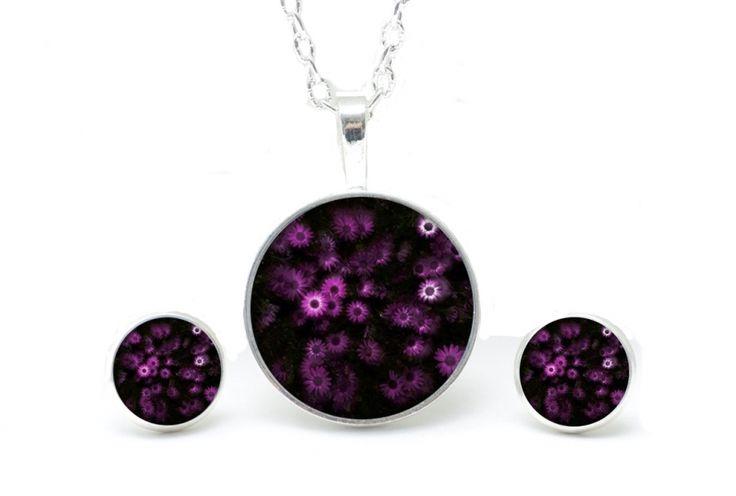Kette, Set, Ohrringe, Ohrstecker, Lila, violet, Blumen, Flowers, Necklace, earrings, https://www.justtrisha.com/de/set-kette-mit-ohrringen-violettes-magariten-meer.html