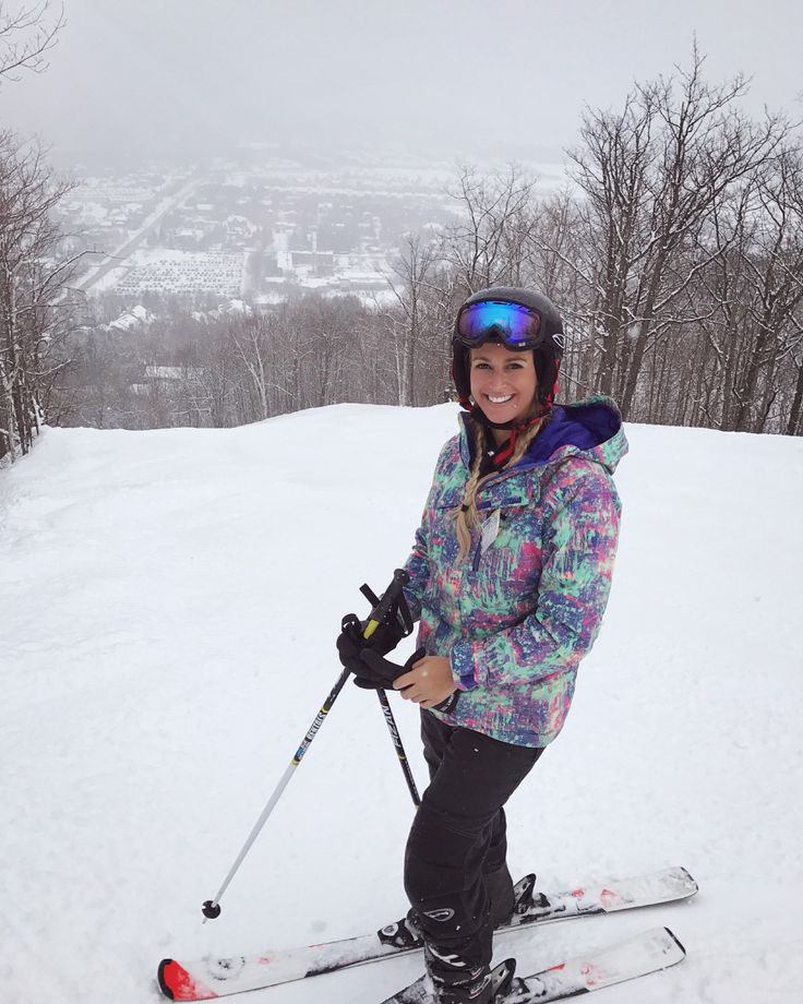 Blue mountain resort is the perfect getaway from Toronto travel, explore, getaway, ski, snowboard
