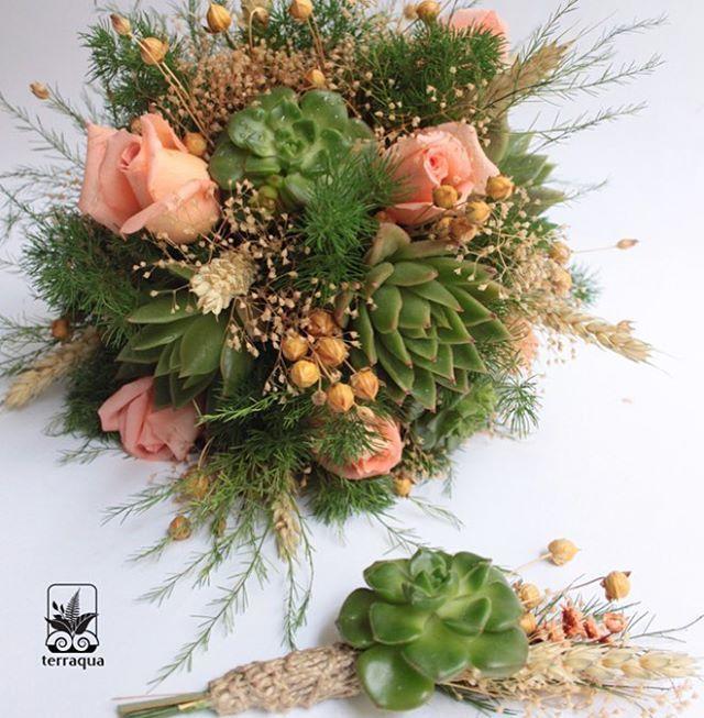 Kuru bitkilerle süslenen sukulent gelin buketlerimiz için info@terraquadesign.com adresinden bize ulaşabilirsiniz  #terraquadesign #sukulent #buket #wedding #düğün #sukulentgelinbuketi #bouquet #succulentbouquet #succulove #weddingbouquet #lovegreen #spring #istanbul #countrywedding #nikah #pastel #soft #colors #gelinbuketi #driedflowers #summer #lovegreen
