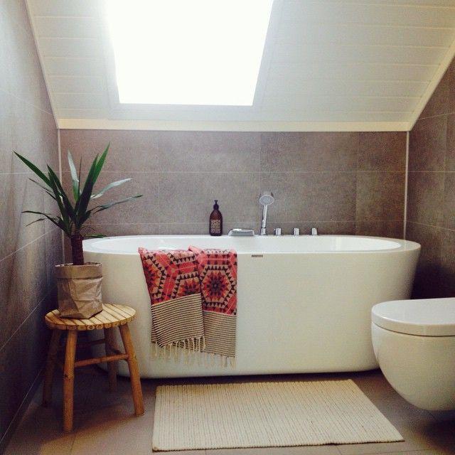 Badet oppe! Elskar badekaret frå #vikingbad!