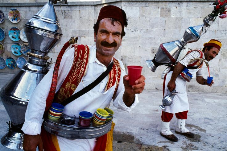 Istanbul, Turkey The World in Your Cup | Steve McCurry