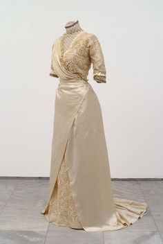 Wedding dress, 1911 Museum of Applied Art