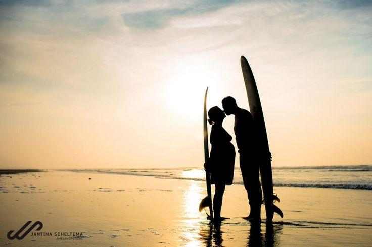 fotoshoot Ameland, Samen op het strand, loveshoot, zwangerschap, Sunset beach