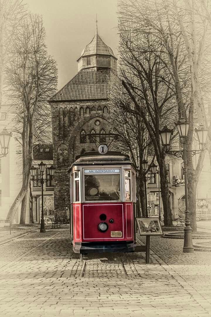 #slupsk #poland #photo #train #red #street #photography #travel