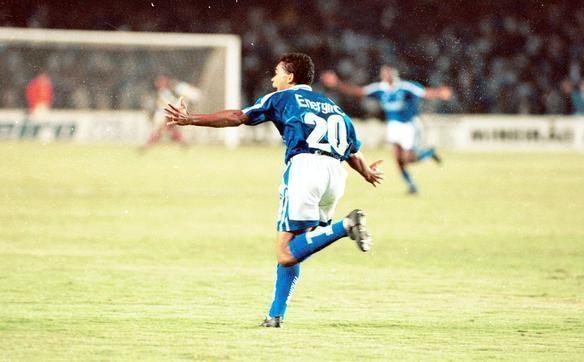 Elivélton vibra com gol marcado diante da equipe peruana, no Mineirão - Arquivo EM/D.A Press, Jorge Gontijo/Estado de Minas e Renan Damasceno/EM/D A. Press