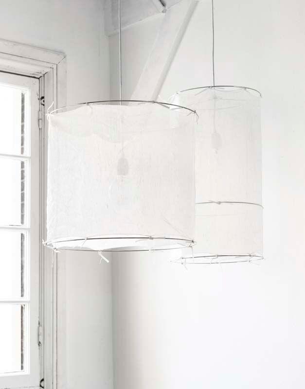KARWEI   Sfeervolle hanglamp voorzien van een katoenen kap in een eigentijds jasje. #vtwonen