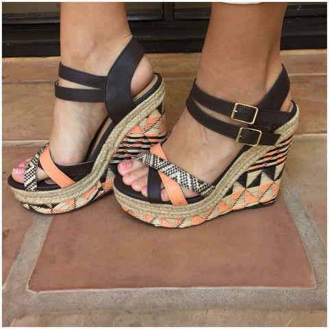 Women's Online Boutique Shopping - Shoes, Sandals, Heels & Boots | Dainty Hooligan Boutique