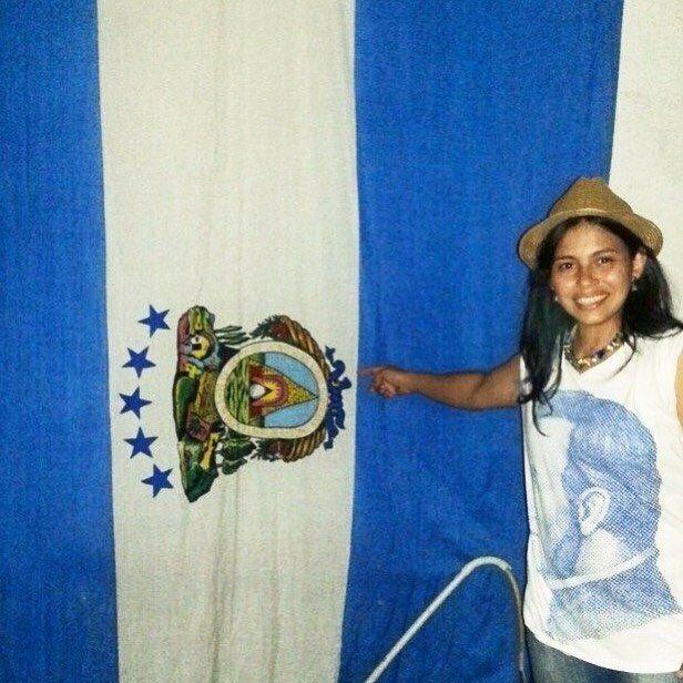 Antigua bandera mercante de #Honduras es parte de una colección privada en Roma Italia  #begaleano #galeanohn #yoGaleano