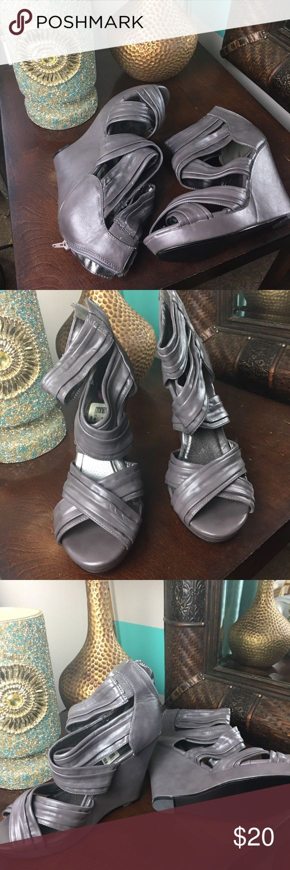 Gray wedges Classic wedge that will compliment any outfit. Never worn. Shoes Wedges